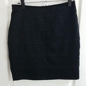 NWOT Popular Basics Skirt